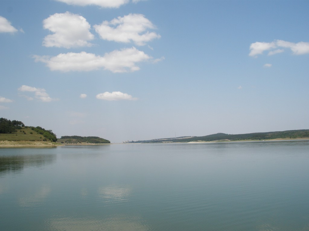Между небом и водой
