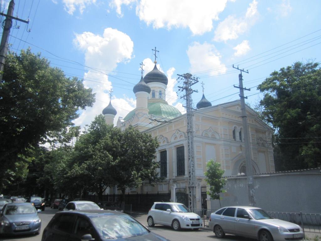 Собор в центре Симферополя