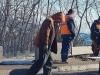 В Ялте дорожники утаптывают ямы ногами(видео)