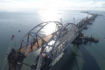 На Крымском мосту будет 8 КПП и забор