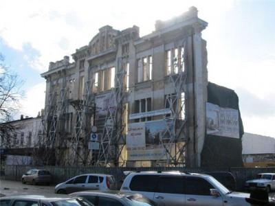 Во время сноса руин в центре Симферополя нашли казино и уникальную плитку