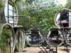 В Мексике выстроили отель из труб
