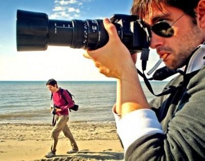 В Крыму всего один человек имеет право фотографировать людей с животными
