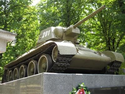 В Симферопол приведут в порядок памятник танку