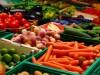 Азаров обещает, что украинцам хватит овощей