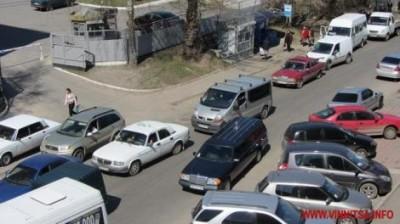 Катафалк застрял в пробке из-за Януковича
