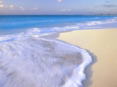 В Курортном смыло пляж