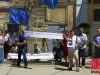 Пикетчики обещают забросать российского консула в Крыму яйцами