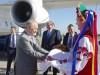 Украинского спикера накормили в Крыму караваем сразу у самолета
