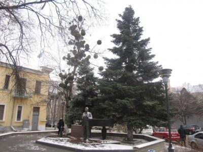 Памятник Юрию Богатикову в Симферополе