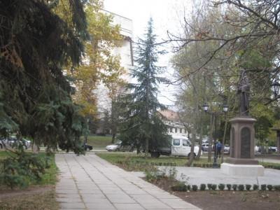 Памятник Сергию Радонежскому в Симферополе